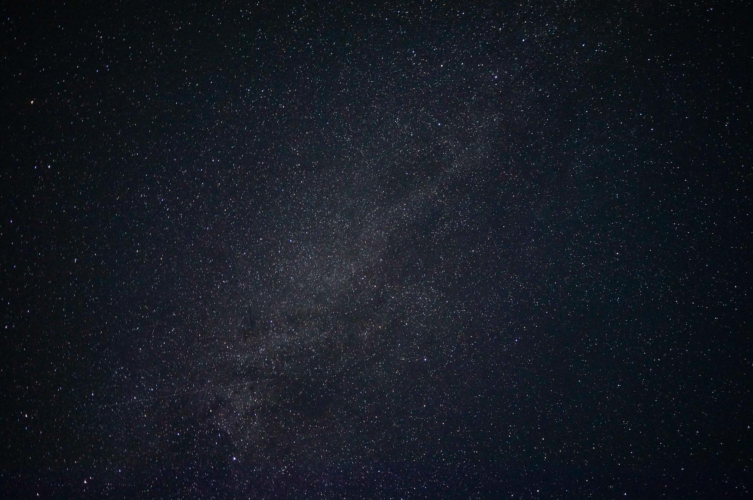 Piena ceļš un krītošas zvaigznes