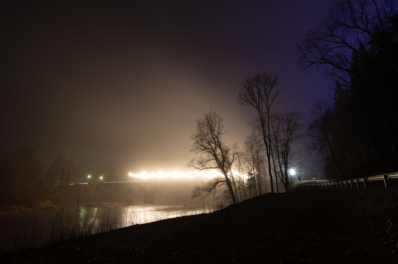 Tilts pār Gauju naktī