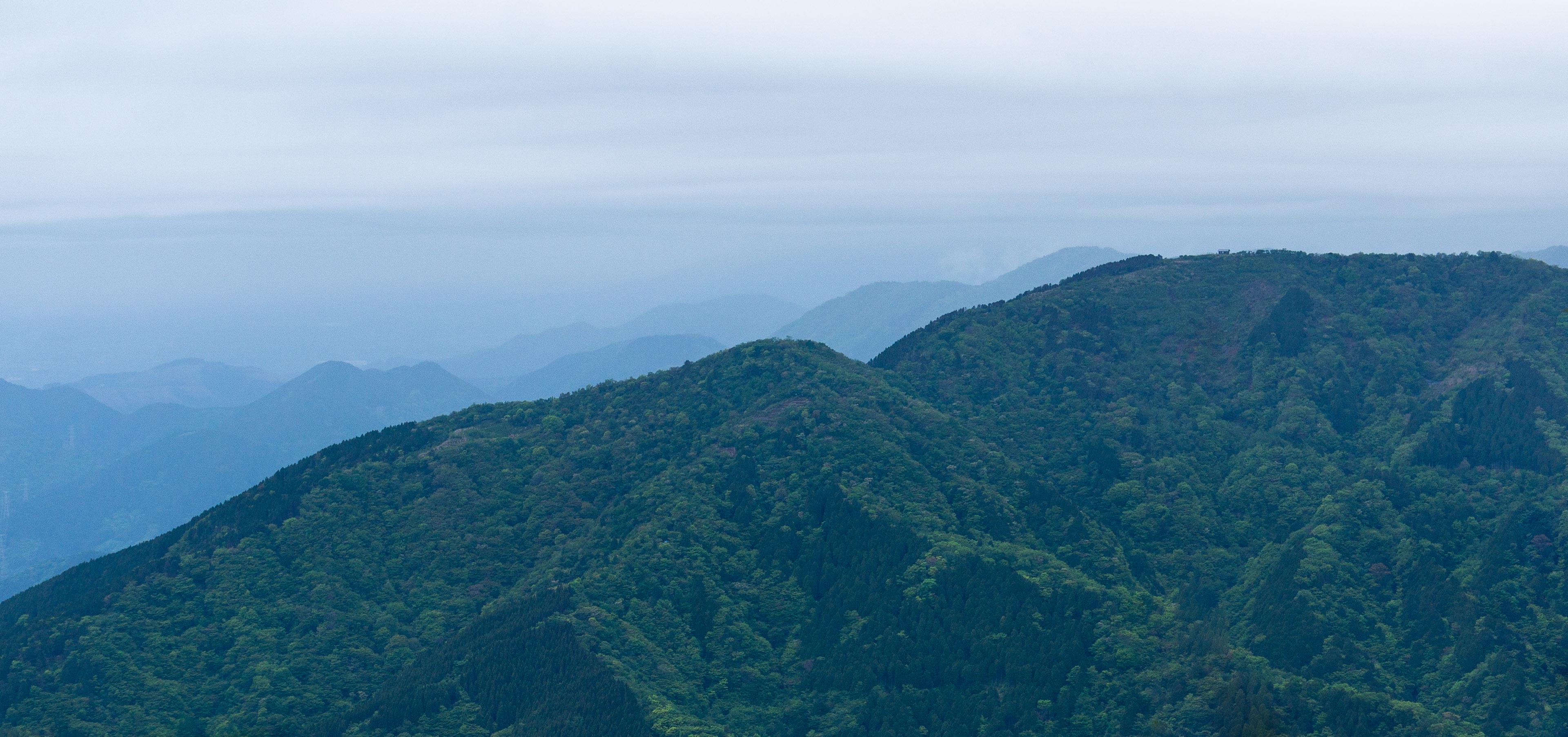 Esmu noskatījis šo kori nākamajam pārgājienam. No turienes paveras fantastiski Fudzi vulkāna skati, ļoti glītas takas un skaistas virsotnes.